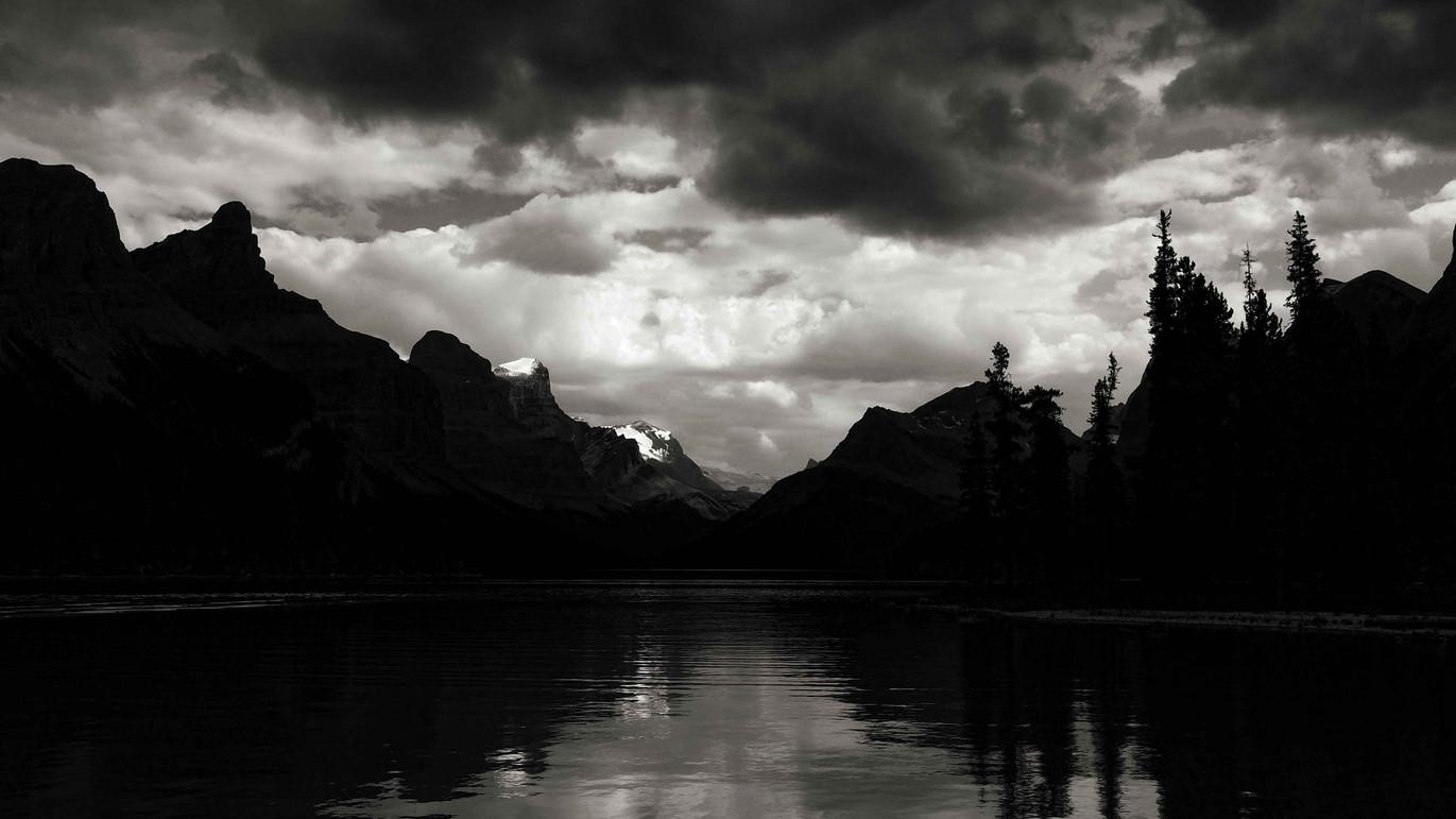 Maligne_Lake_Small.jpg