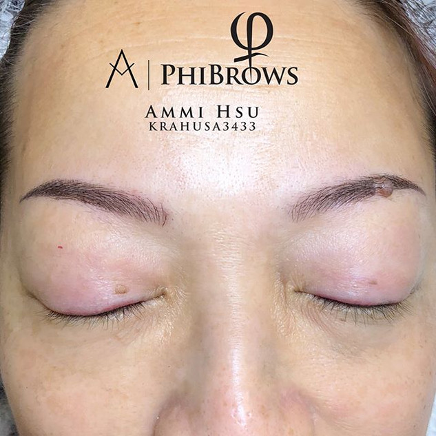 How nice if you can go on a vacation with a beautiful brow~ 🤗💕_She wanted a natural and thin brow.jpg