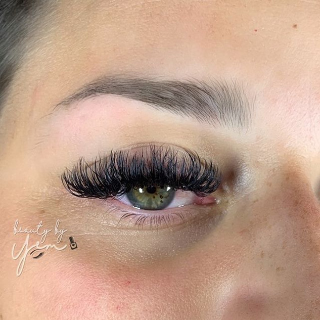 Love my lashes BIG and FULL like this ba