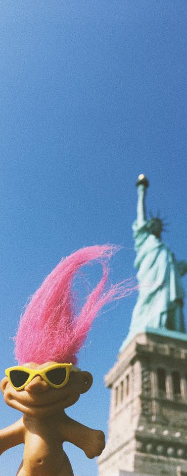 Turist Troll in the Statue of Liberty