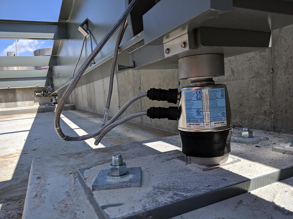 Mettler Toledo load cell connected to a truck scale