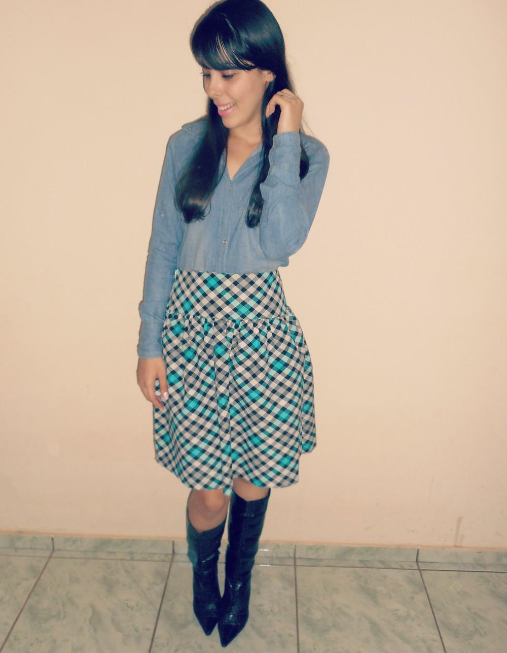 Look-camisa-jeans-saia-xadrez