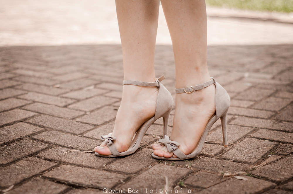 Sandália-nude-ami-club-wear
