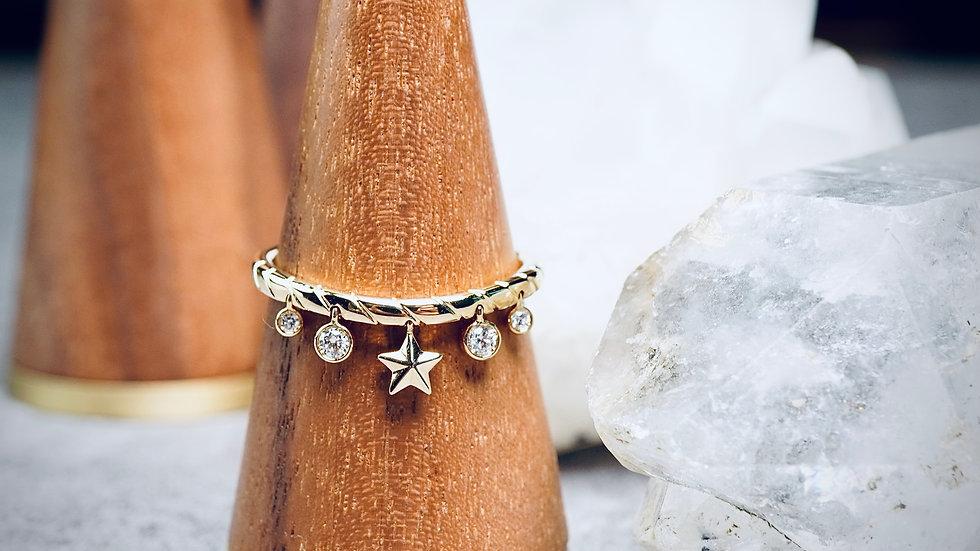 18K 鑽石星星吊燈戒指