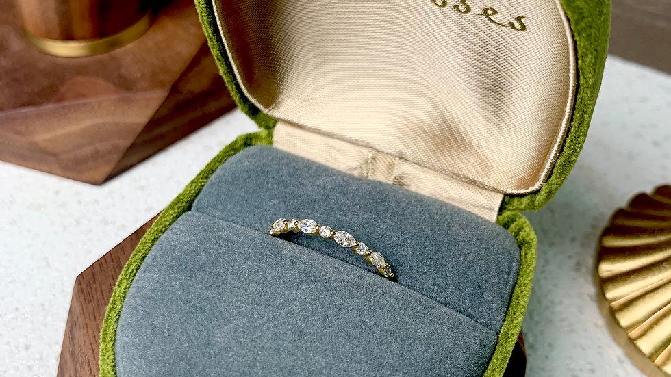 18K 馬眼鑽石戒指