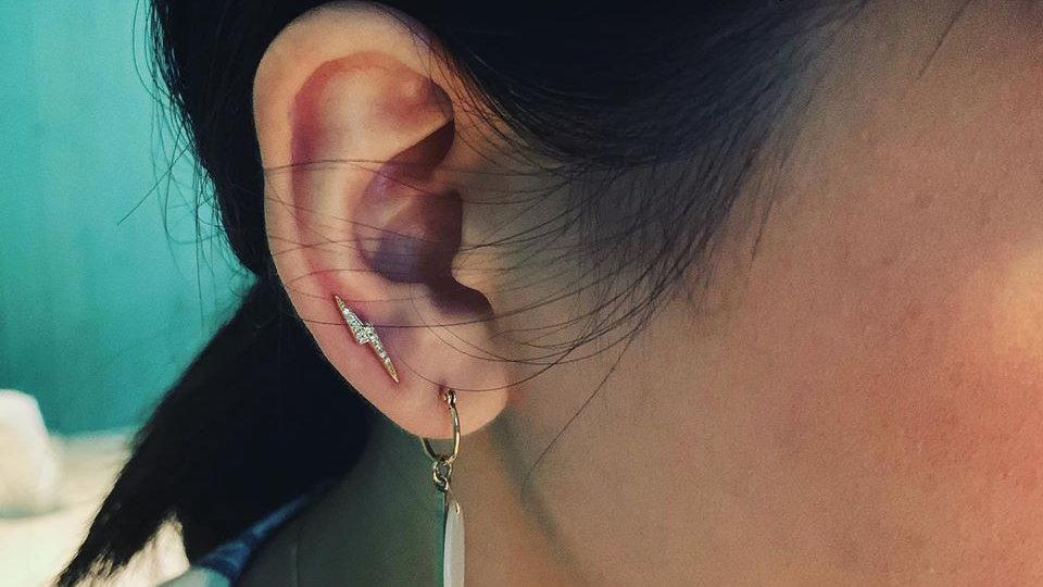 18K 鑽石閃電耳針