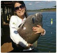Clube Pescar – Lugar de mulher é na beira do lago