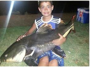 Clube Pescar – Pai e filho em busca de muita adrenalina no centro oeste brasileiro.