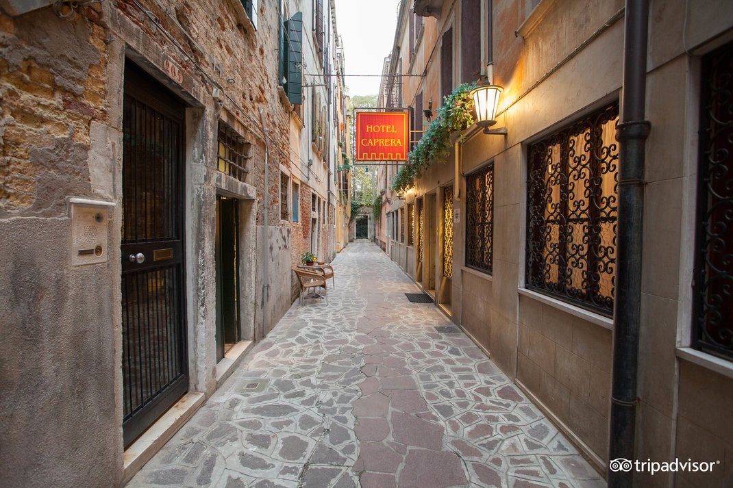 street--v15050280.jpg