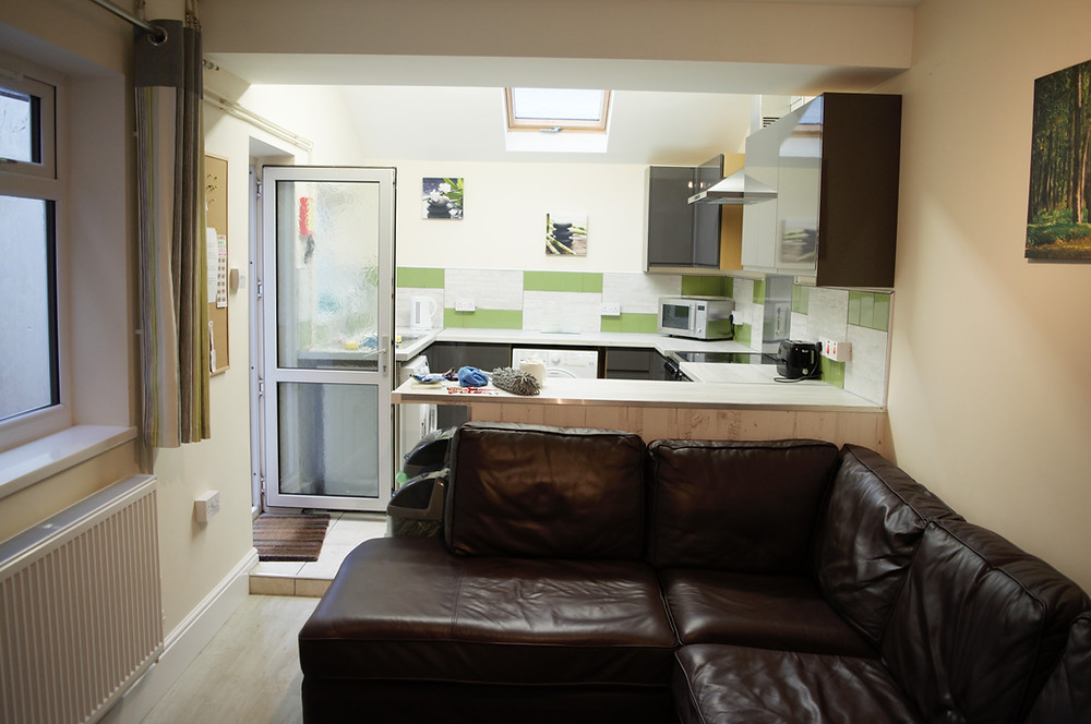 Swansea student accommodation house property digs rent share room
