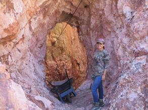 ENtrada a una Cueva MIna San Felipe Cerro Viejo