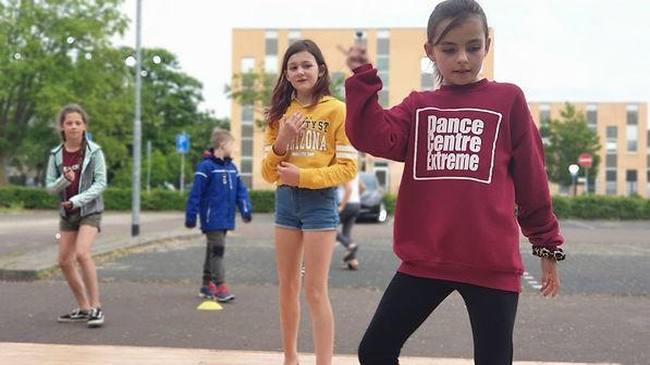 DansesBuiten1.jpg