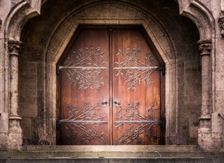 Reader Retention: Overwhelming Content and Finicky Doors