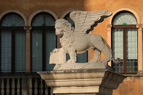 bassano del grappa statua leone di san marco