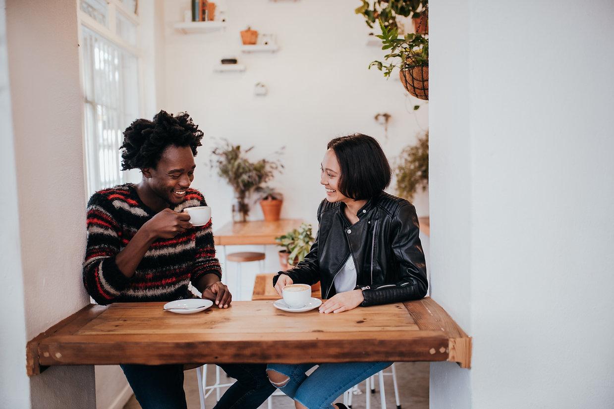 autumn-couple-couple-cafe-coffee-smiling