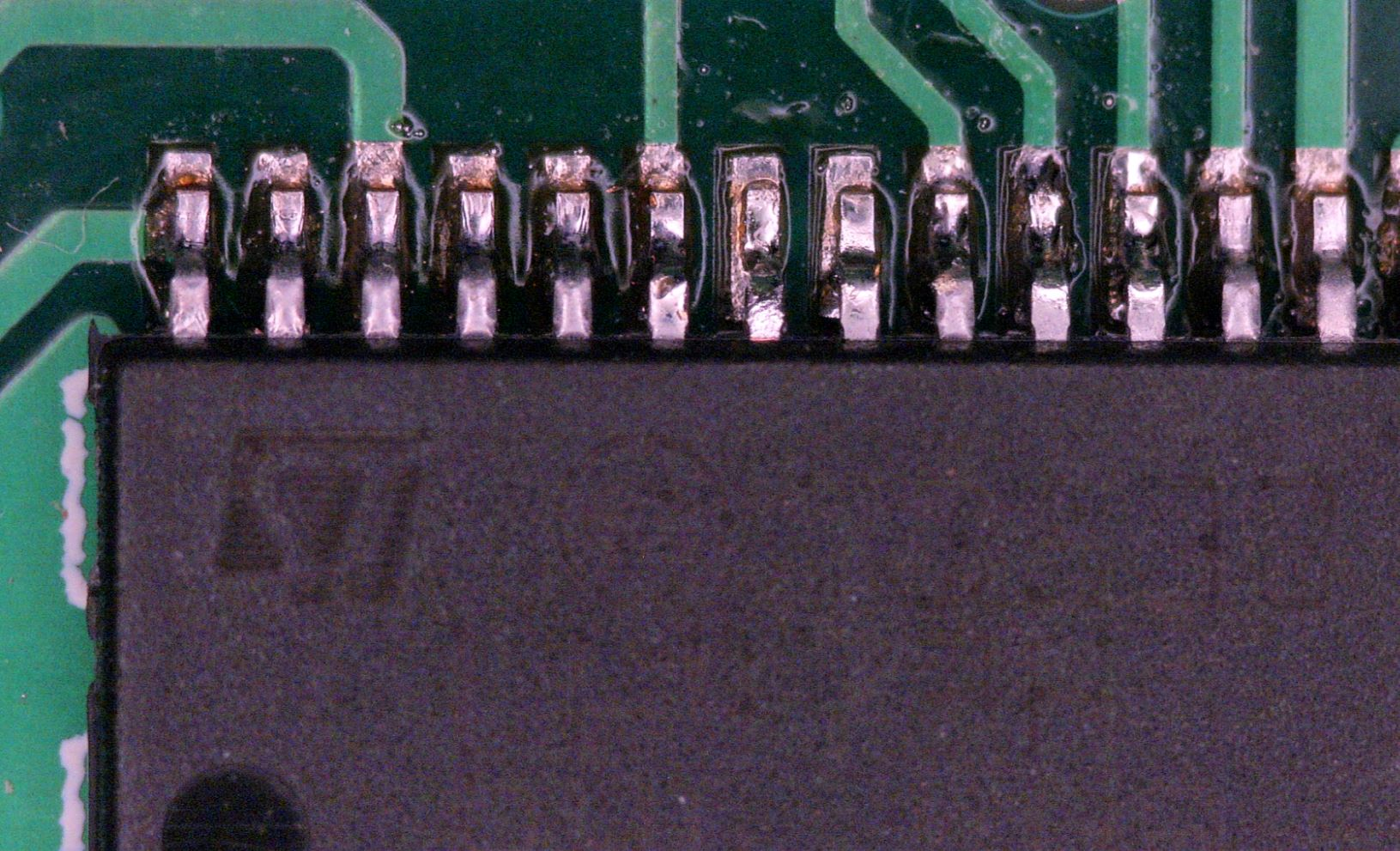 SMD Soldering Under The Microscope