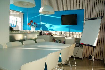 office-space-1744805_1920.jpg