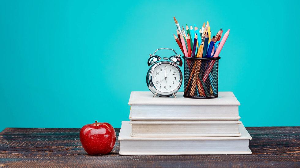 Red-apple-books-pencils_3840x2160.jpg