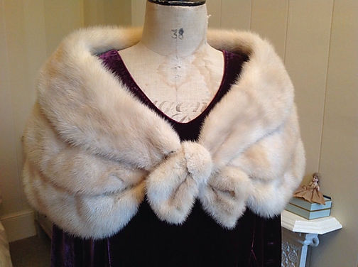 Makarora Fur Co.  Wanaka, Queenstown and Southern Lakes Hire, Blonde Mink Fur Stole1 (1)