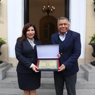 SUPERINTENDENCIA NACIONAL DE MIGRACIONES obtuvo el Premio Nacional a la Calidad y la Medalla Líder