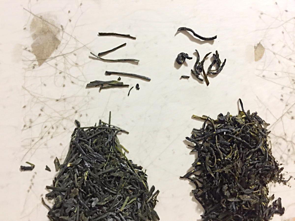 左側=煎茶_______右側=蒸し製玉緑茶