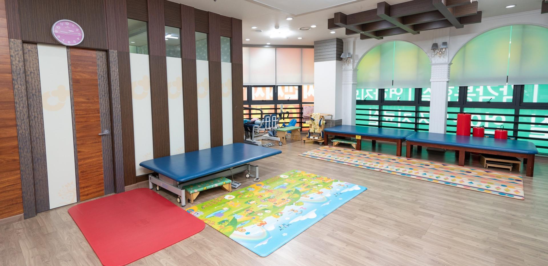 별관 3층 소아재활치료센터