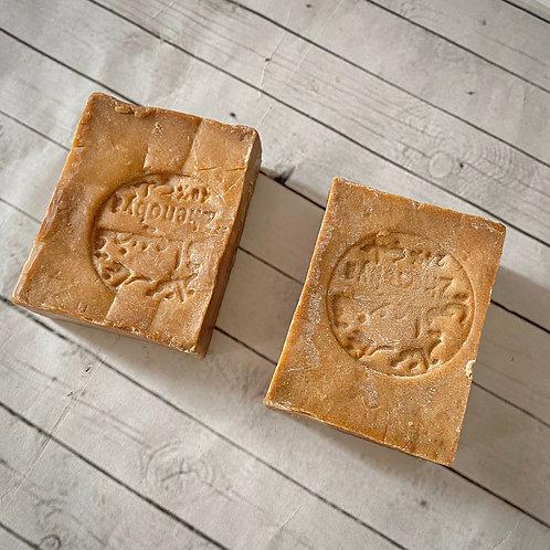 Aleppo soap with laurel oil