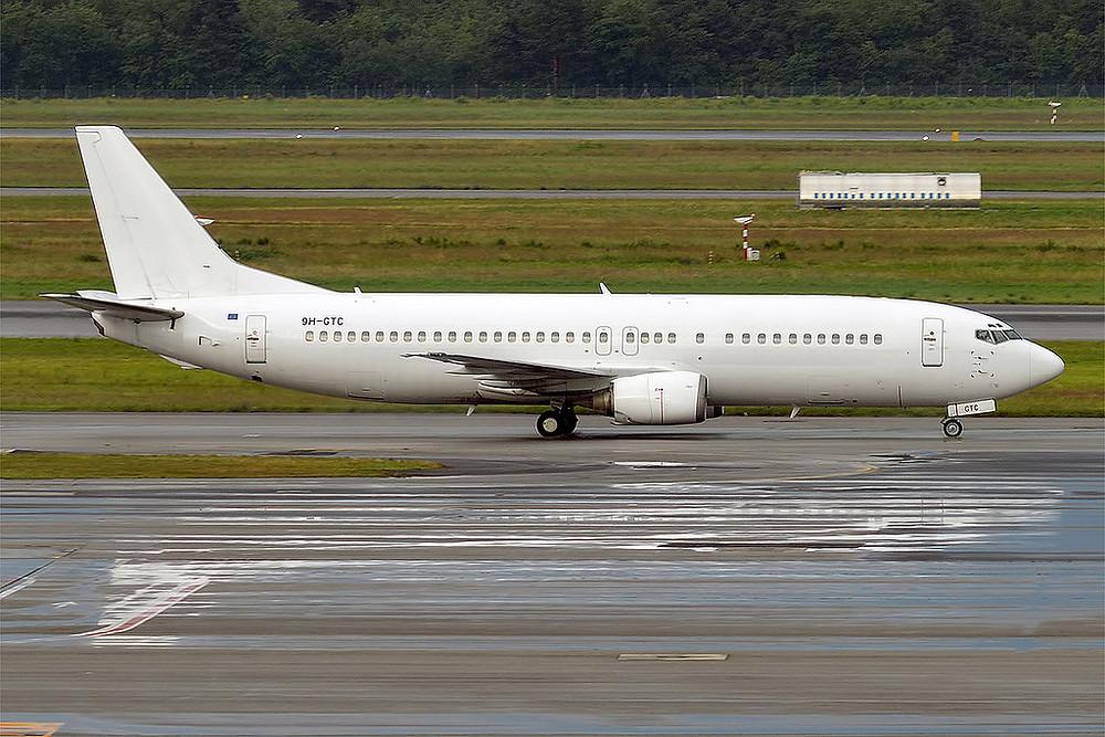 lue Panorama 9H-GTC, Boeing 737-400, B734 by Anna Zvereva (license CC by-sa)