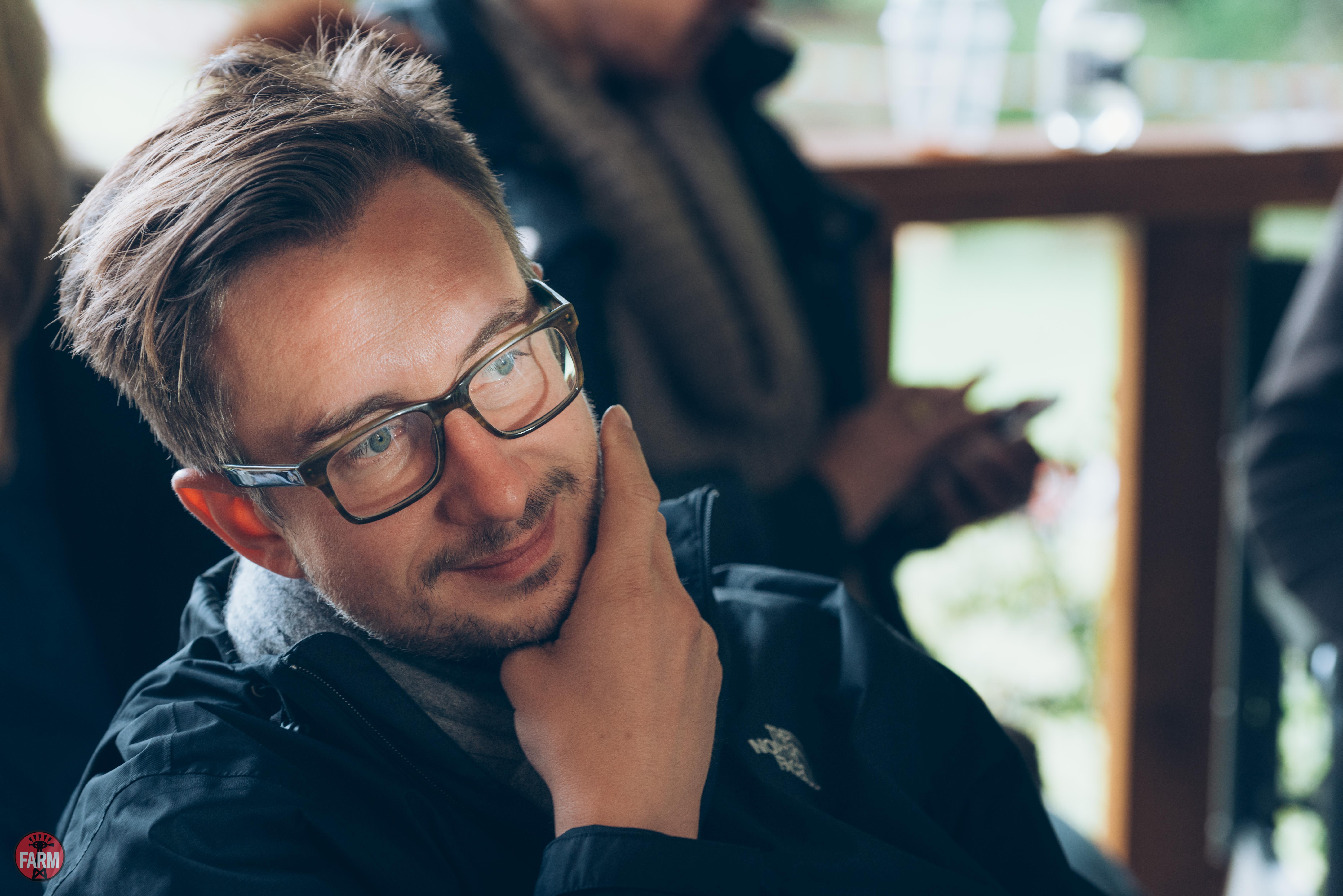Director: Matthias Hoene