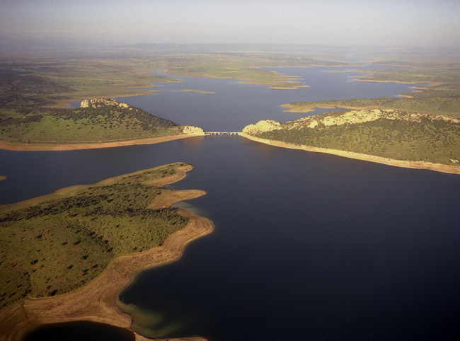 foto_2_embalse_orellana