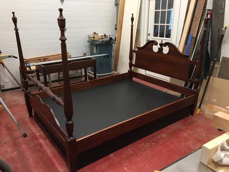 Queen's Bed