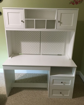 Student Desk with Hutch