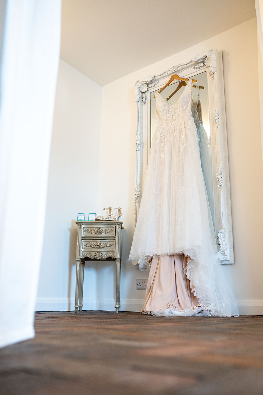 Wrenbury Hall Wedding Photography, photographers in crewe and nantwich