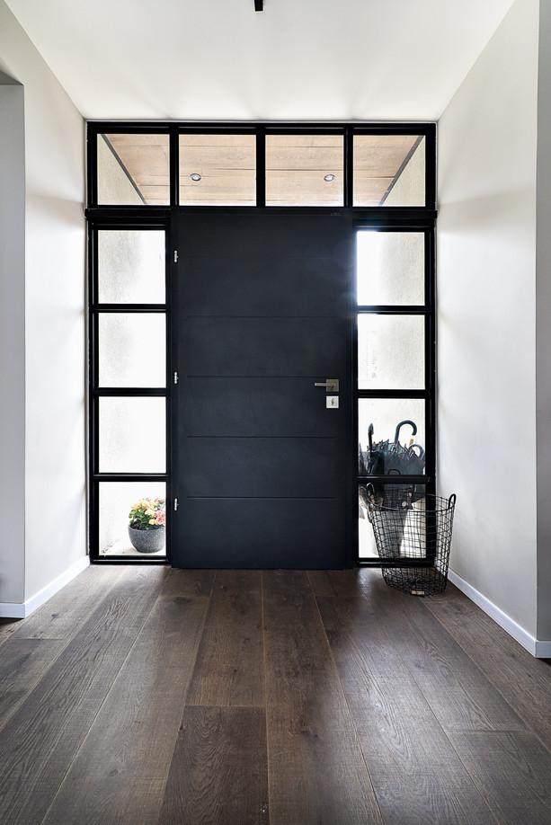 Entrance 04.jpg