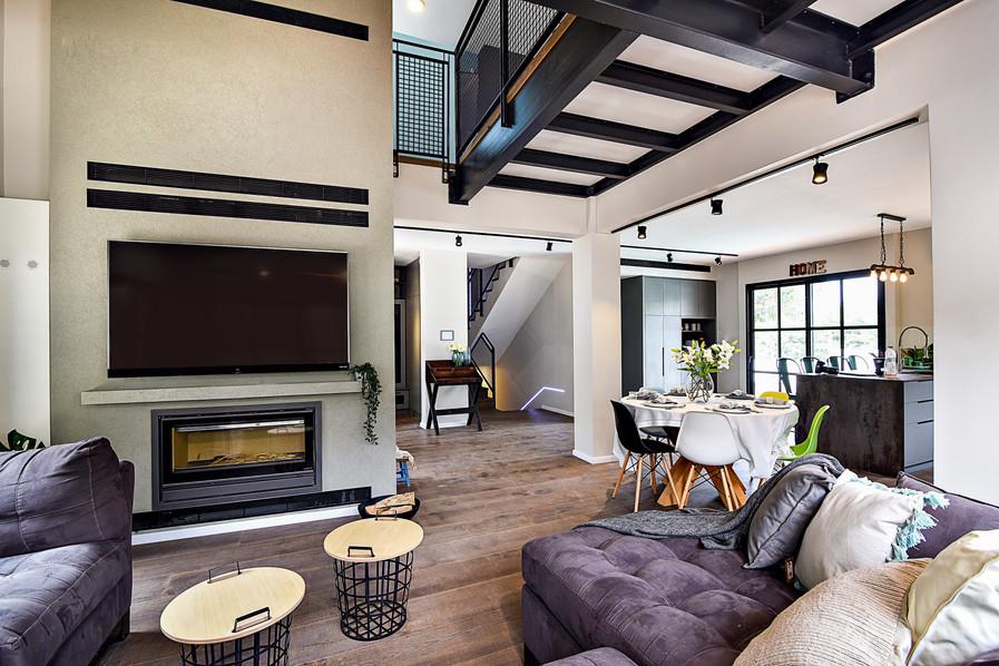 Living Room 07.jpg
