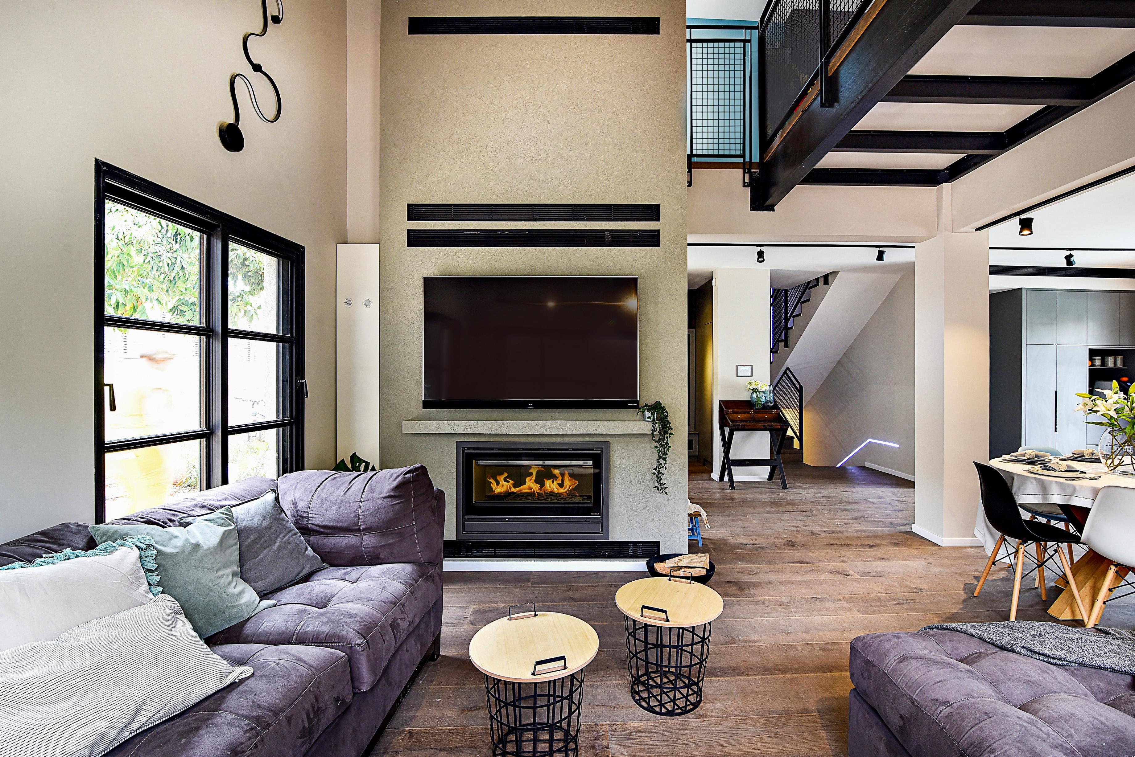 Living Room 05F