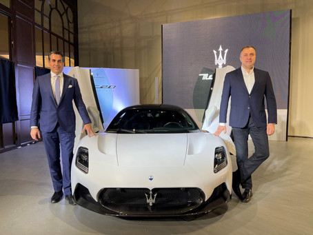 Maserati MC20 makes its debut in Qatar