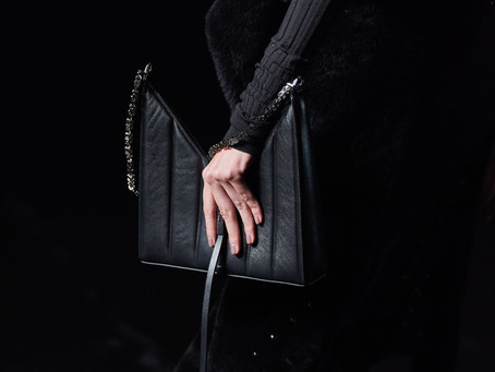 GIVENCHY PRESENTS THE CUT-OUT BAG FOR FALL-WINTER 2021