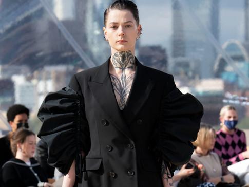 "ALEXANDER McQUEEN SS22 Womenswear Collection  ""LONDON SKIES"""