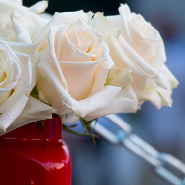 We bring fresh cut flowers to every event!