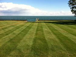 Professional Lawn Maintenance Grosse