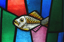 stained-glass-620768_1920.jpg