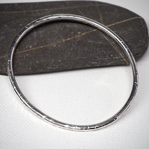 Petit silver bangle