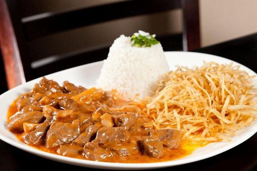 Estrogonofe de Carne + Arroz + Batata Palha | 300g