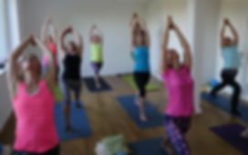 Vinyasa Yoga in der YEP Lounge in Bremen Oberneuland