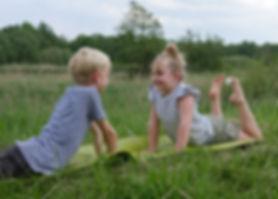 Kinderyoga, Kinder Yoga in der YEP Lounge in Bremen Oberneuland