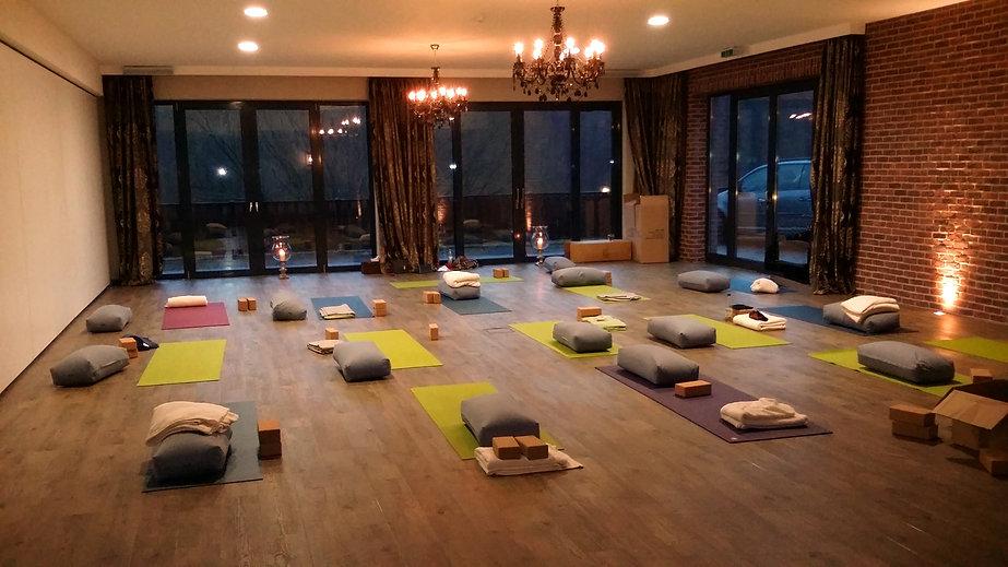 Yoga Retreat Reise mit der YEP Lounge