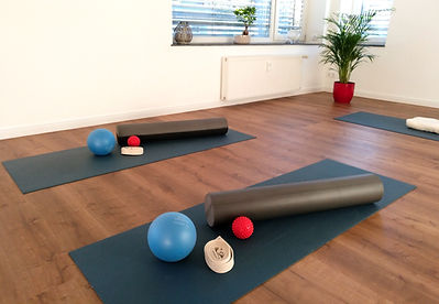 Pilates Training auf der Matte in der YEP Lounge in Bremen Horn. Kursraum