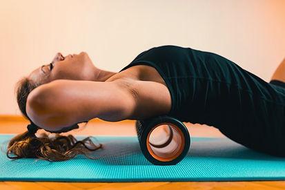 Faszienrolle, Pilates mit Faszientraining in der YEP Lounge in Bremen Horn