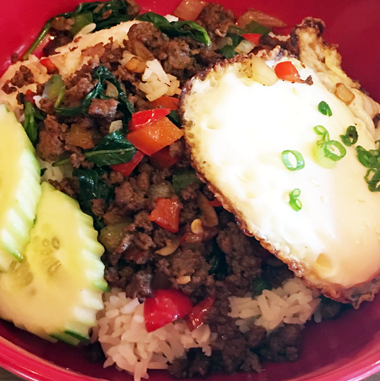 Sriracha Beef with Rice 800 x 600.png